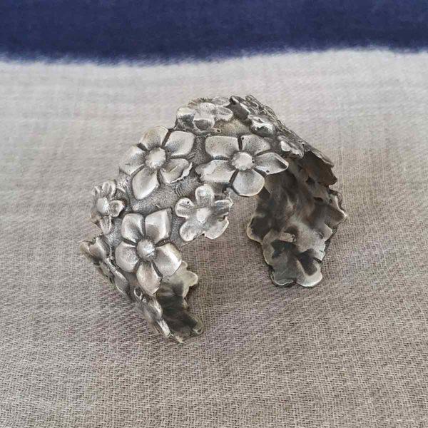 Pulsera Flores plata | Tana tienda online