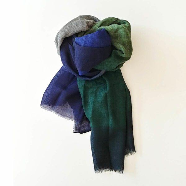 fular de lana tonos verdes y azules