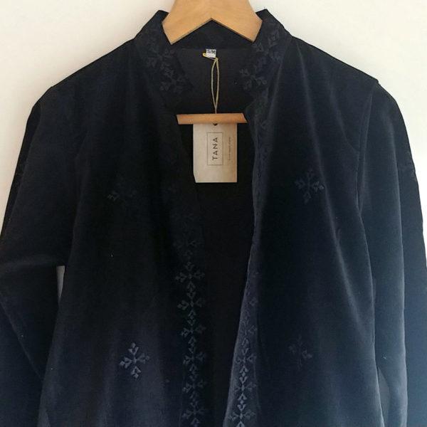 Abrigo kimono de terciopelo negro