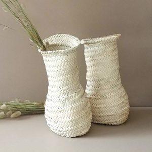 florero artesano de hoja de palma