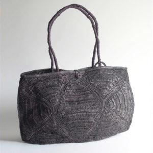 bolso de rafia gris